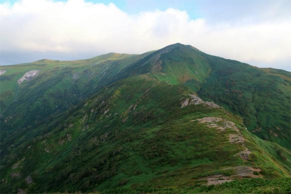 飯豊山登山の魅力稜線歩き