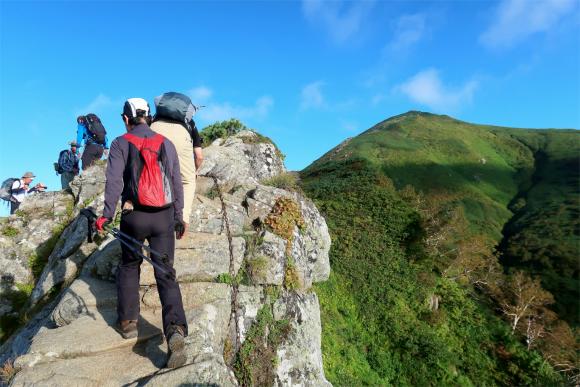 岩場のルート崖