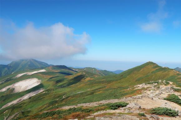 左が飯豊山最高峰の大日岳右が飯豊山