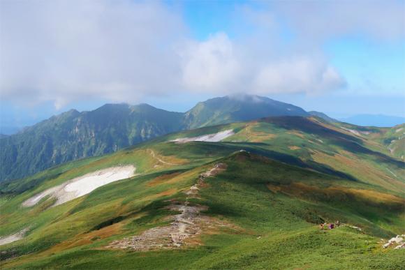 飯豊連峰の景色