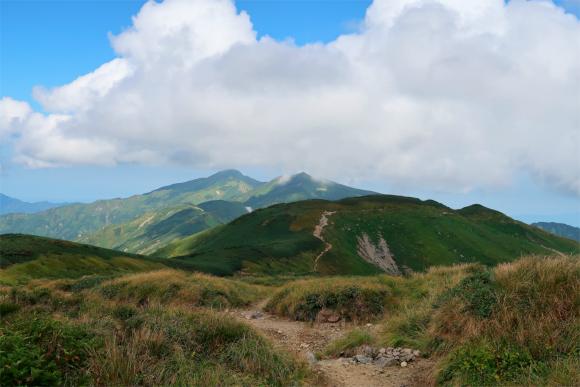 御西小屋から飯豊連峰最高峰の大日岳を目指す
