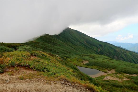 大日岳と文平ノ池のコラボ