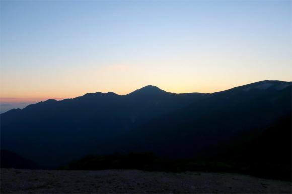 丁度夕日が大日岳周辺に下りた瞬間
