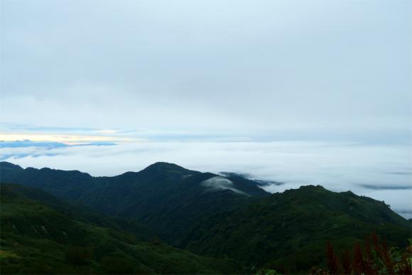 切合小屋からみる飯豊山の雲海