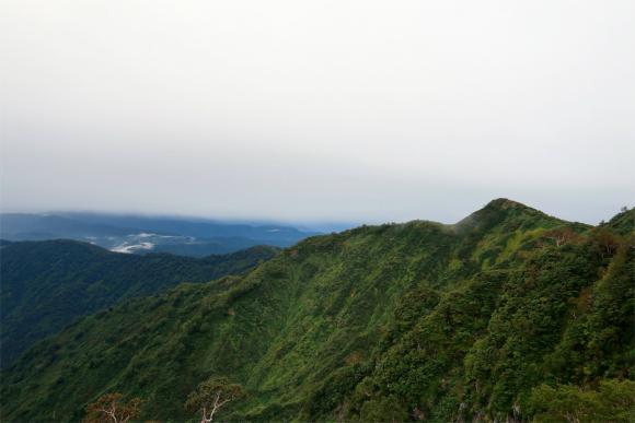 語らいの丘を目指して進むと雨止む
