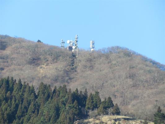 梅ノ木尾根から大山山頂のアンテナ