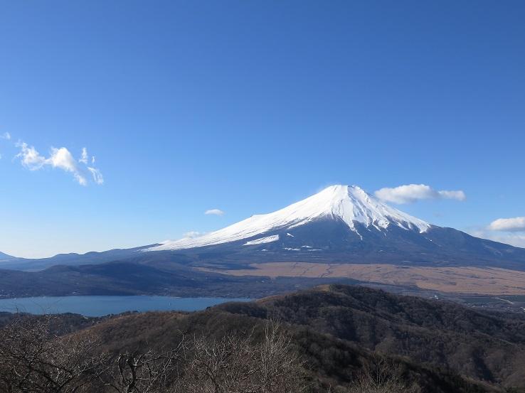 石割山山頂から見る富士山の景色