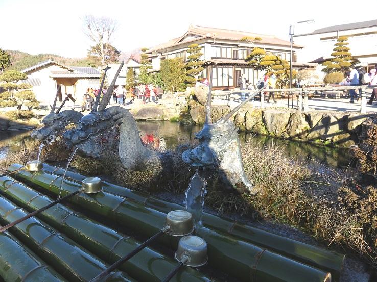 忍野八海の湧水20年前に富士山に降った雪
