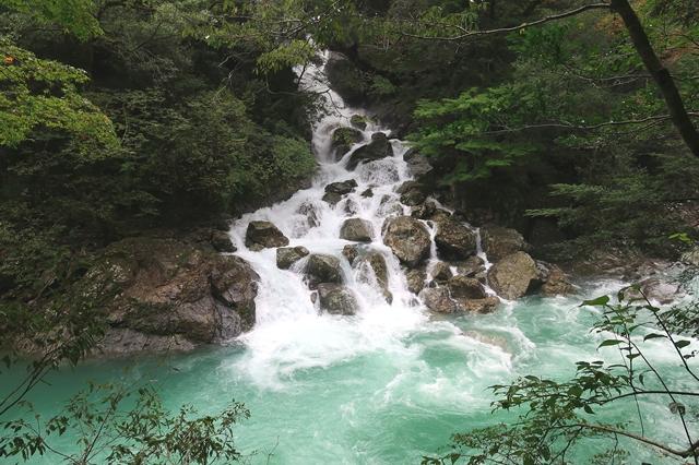 桃ノ木山の家まで水が綺麗