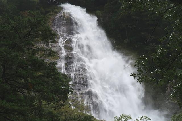 大杉谷の名物千尋滝