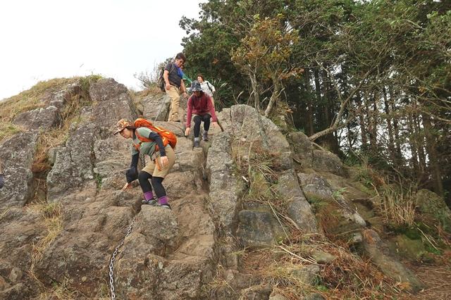 亀山までの登山道
