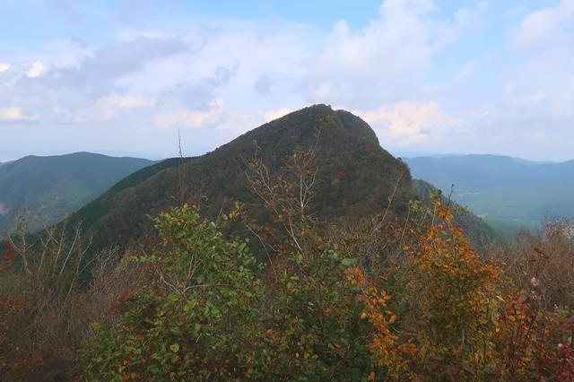 二本ボソから見る俱留尊山