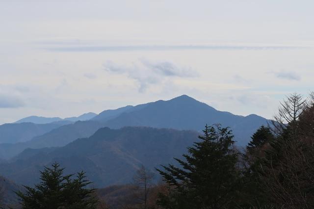 雁坂小屋から名峰大菩薩嶺景色