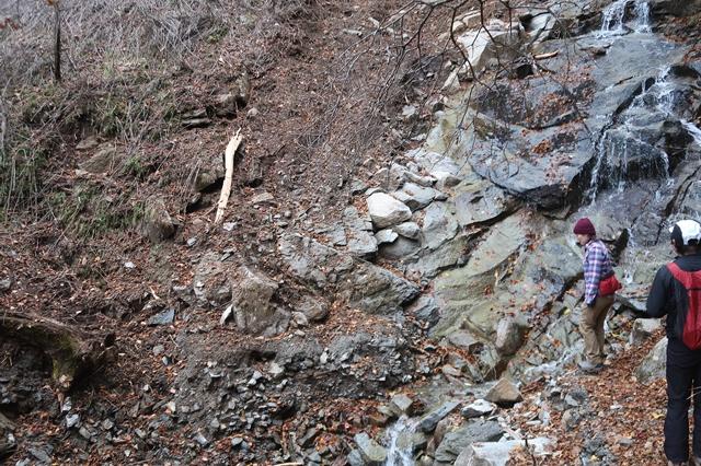 シラベ尾根も台風の影響で登山道が崩壊