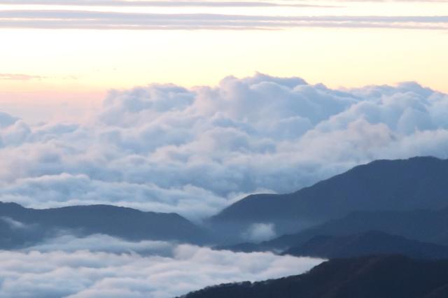雲海と山の景色
