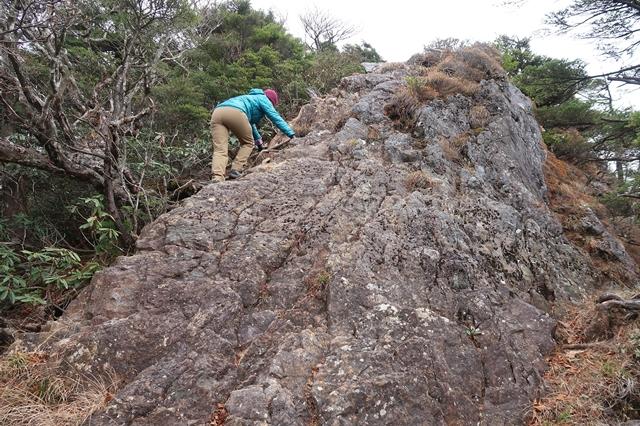 西御殿岩への登山