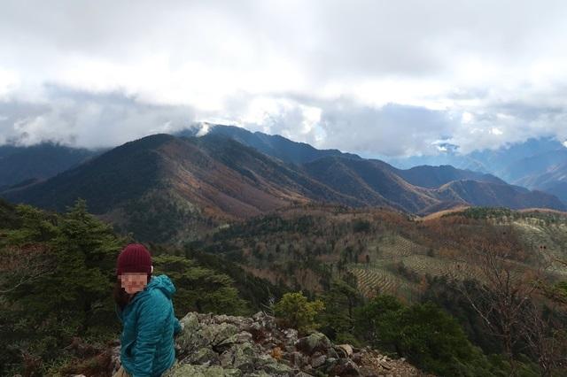 飛龍山への稜線