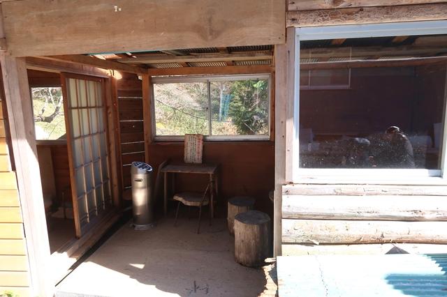将監小屋は喫煙室と雑談室