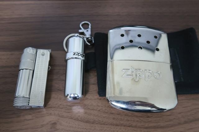 オイルライターと携帯用オイルタンク、ZIPPOハンディーウォーマーのセット