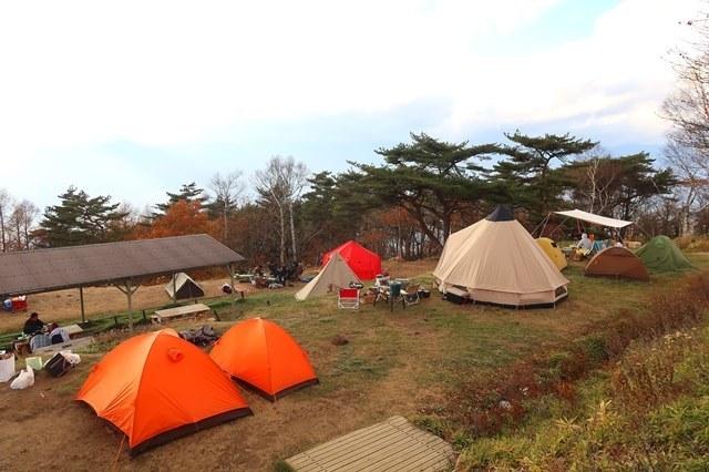 陣馬形山のキャンプスペース