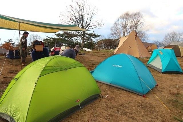 陣馬形山キャンプ場フラットで芝生のスペース