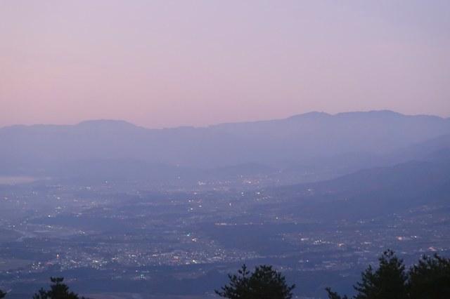 陣馬形山キャンプ場からの下界の様子