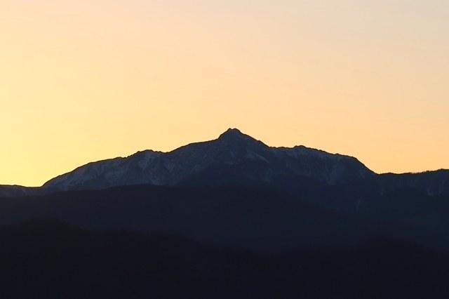 塩見岳は双耳峰