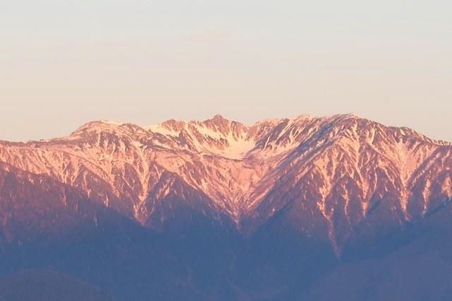 中央アルプス宝剣岳と千畳敷カール夜明け