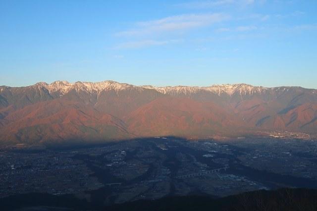 る中央アルプスの雪景色