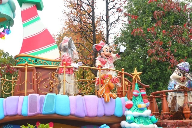 東京ディズニーランドミッキーとミニー雨の日のパレード