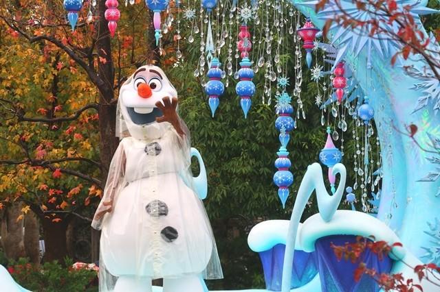 雪だるまみたいなキャラクターが登場