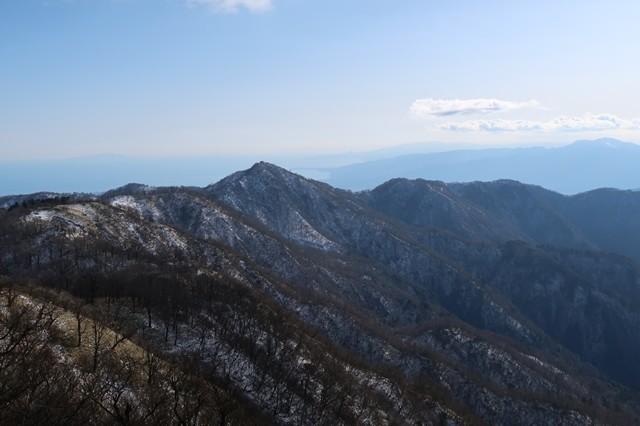 丹沢山からの塔ノ岳の景色