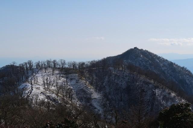 右奥が目指す塔ノ岳