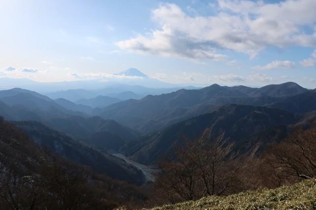ユーシン渓谷と、山深い丹沢の奥