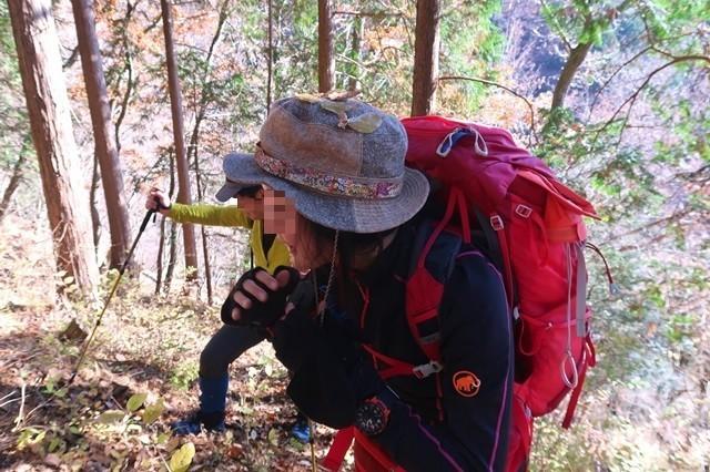 マルガヤ尾根のバリエーションルートの激しさと女性登山者
