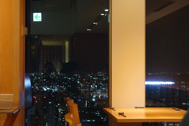 響49階高層階にお店があり天気が良い都心の夜景が素晴らしい
