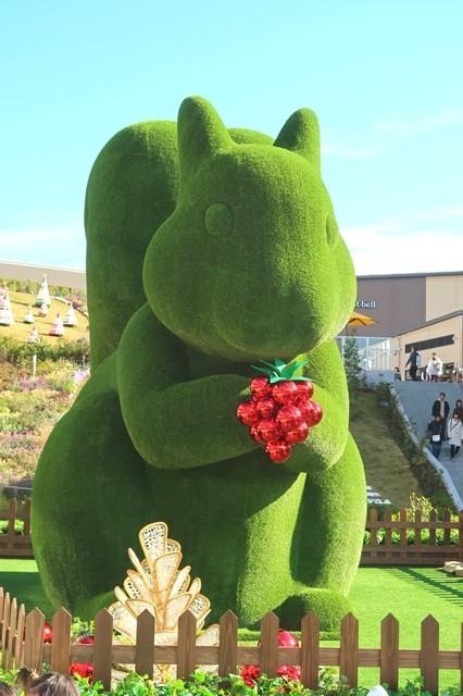 ブッフェザフォレスト周辺の庭園リス像