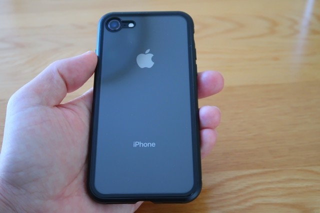 iphone8スマホケース装着