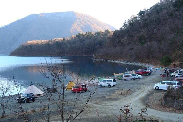 浩庵キャンプ場湖畔キャンプサイト