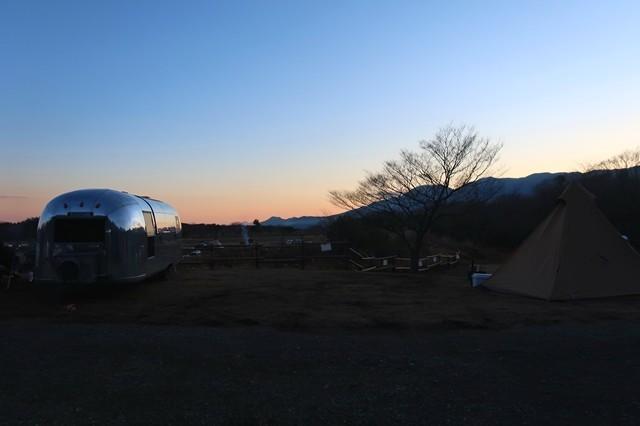 夕暮れテント場からの景色