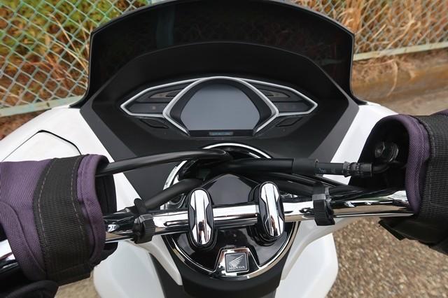 PCXにバイク用スマホホルダーを装着