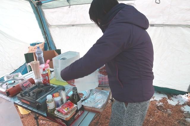 キャンプ場でランチ作り