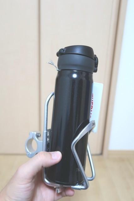 バイクカップフォルダー500mlの水筒魔法瓶入りました