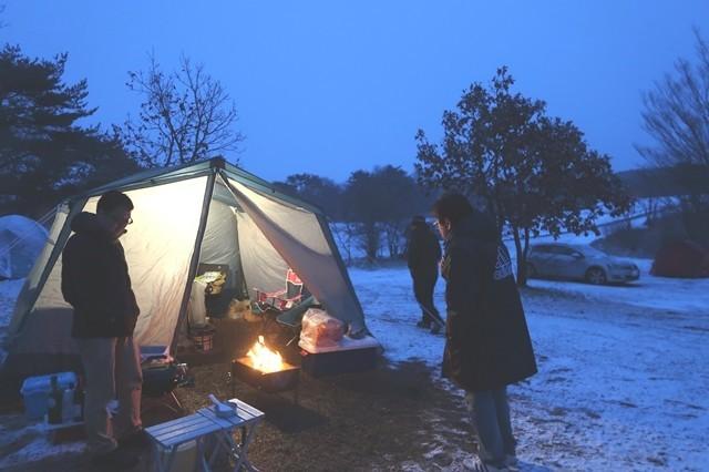 富士五湖キャンプ場おすすめ朝霧ジャンボリーオートキャンプ場でオフ会キャンプ最中