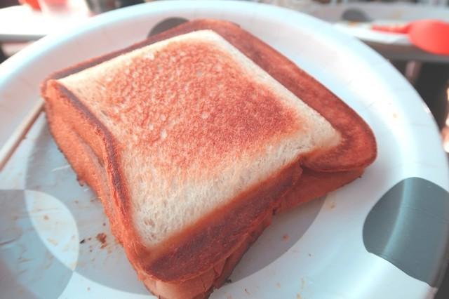 キャンプの朝食といったらホットサンド