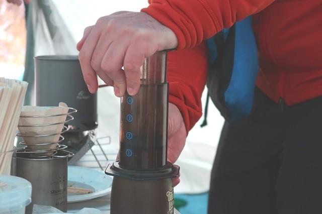 アップのエアロプレスコーヒーメーカー