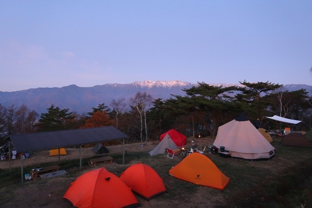 テントからアルプスの景色