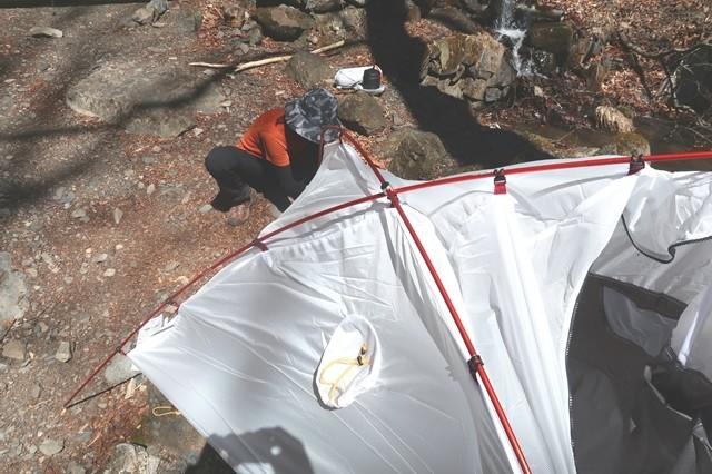 初めてのテント泊登山者女性