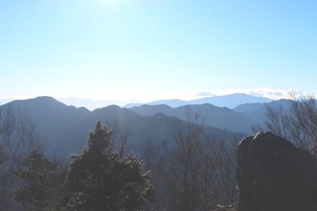 雲取山周辺山深い景色