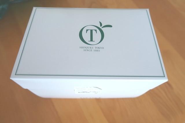 タカノフルーツパーラーのケーキ用の箱